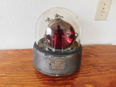 Large Vintage 12V Federal Beacon Ray Model 175 Fire Police Ambulance Red Light