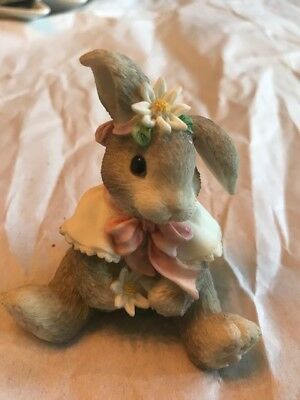 Enesco Blushing Bunnies - Loves Me Loves Me Not 156973 Daisy Wishes