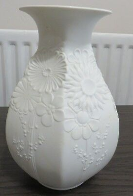 Beautiful Kaiser 23cm tall vase in perfect condition