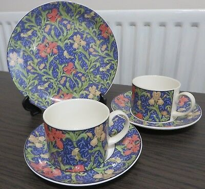 Beautiful Dunoon China 5 piece set in lovely condition