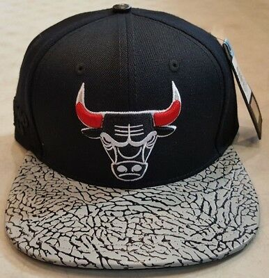 the latest bc1af 650da ... get chicago bulls pro standard nba custom strapback cap black brand new  bd480 b62b7
