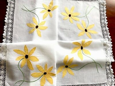 Beautiful Vintage Hand Embroidered Linen Appliqué Crochet Hem Tablecloth 34X34""