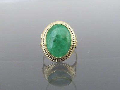 Vintage 18K Solid Yellow Gold Natural Oval Green Jadeite Jade Ring Size 8