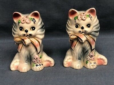 2 Vintage Cat with bows Figurines