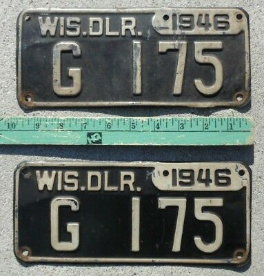 Very good original condition WISCONSIN 1946 WIS DEALER license plate plates PAIR