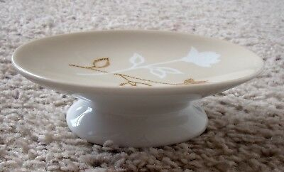 Vintage Ceramic Footed White & Beige Soap Dish With Floral Roses Design
