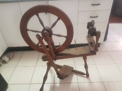 Antique Vintage Classic Wooden Yarn Wool Spinning Wheel