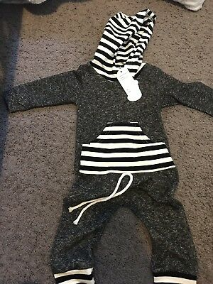 baby boys tracksuit 0-3 months