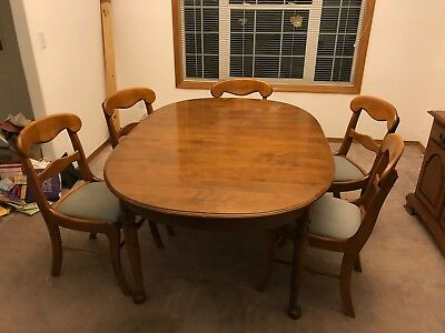 Ethan Allen Dining Room Set. Includes Table, Chairs, 2 Leafs & China Hutch