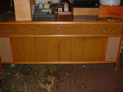 MAGNAVOX VINTAGE STEREO CONSOLE 1960s