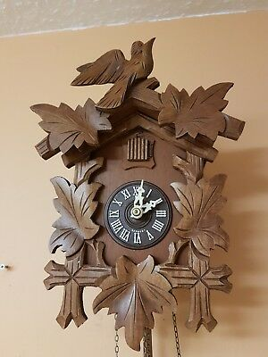STUNNING BLACK FOREST CUCKOO CLOCK / Fully Servised