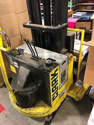 Clark sp-30 sp30 forklift Stacker Powerworker with charger Heavy Duty