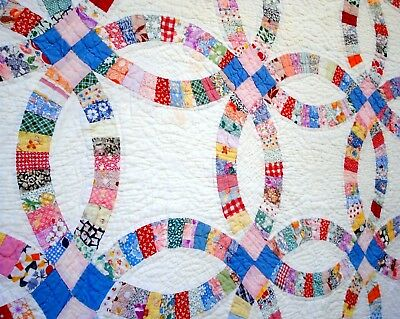 Vtg 1930's Double Wedding Ring Quilt hand quilted stitched pastel pink