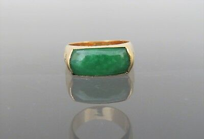18K Solid Yellow Gold Green Jadeite Jade Saddle Ring Size 7.75