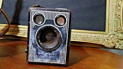 Kodak Box Brownie Six-20 E Vintage Camera With Case