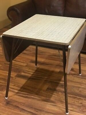 Retro Kitchen table- Original Formica and Chrome! VERY COOL! VINTAGE