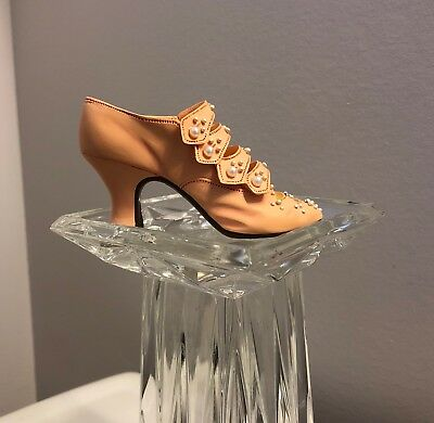 Just The Right Shoe By Raine