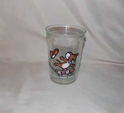 Welch's Jelly Juice Glass featuring Tom and Jerry skateboarding