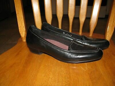 Womans Clarks Everyday Shoes Size 7N