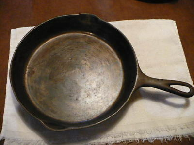 Antique Vintage Victor Brand Cast Iron Skillet Cleaned & Seasoned No. 8 - 722