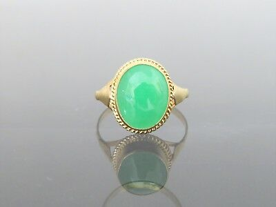 Vintage 18K Solid Yellow Gold Oval Green Jadeite Jade Ring Size 6