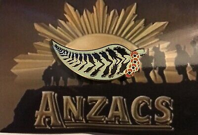 ANZAC in their Shadow GUM with Poppies NEW 2018* Remembrance Day*ANZAC Day