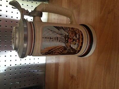 Avon THE BUILDING OF AMERICA STEIN 1986 THE SHIP BUILDER
