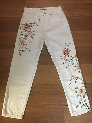Topshop Mom Jeans W28 L30 White Embroidered
