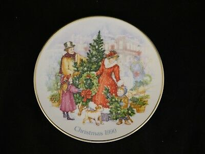 Avon Collectibles Christmas Plate 1990