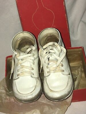 Vintage Red Goose White Leather Children's Shoes in Original Box