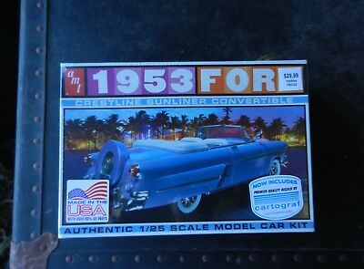 Amt 1953 Ford Crestline Sunliner Convertible 1/25Th Scale Plastic Model Kit