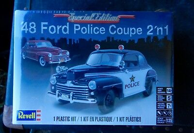 REVELL 1948 FORD STOCK/POLICE SUPER De LUXE COUPE 1/25TH SCALE PLASTIC MODEL KIT