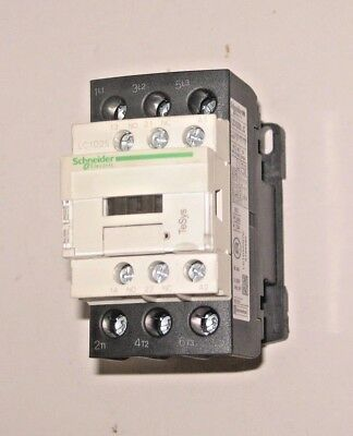 SCHNEIDER TeSys LC1D025 M7 11KW CONTACTOR 220v 50/60 HZ OPERATING COIL