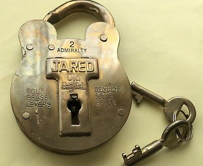 VTG. Large Brass Old English Jared Lock With 2 Keys 4 Levers