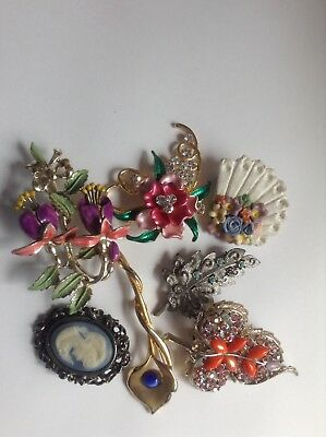 Vintage Brooches X7 Good Condition