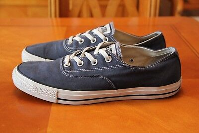Converse  trainers size 10.5 uk eu 44.5 in Blue  excellent condition adults size