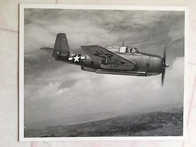 WWII original 8x10 PHOTO OF USMC TBM-AVENGER OVER OKINAWA JUNE 1945