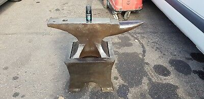 Large Anvil 171 kg With Stand, Weighs 304 kg = 668 lbs