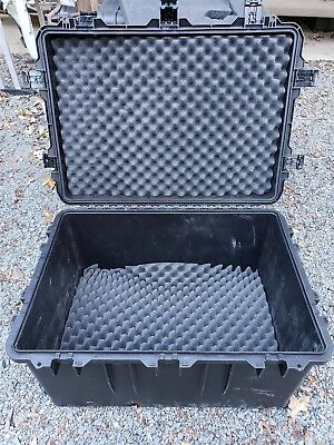 Pelican Storm im3075 Watertight Travel Case Wheels Chest 29 x 20 x 18 Hardigg