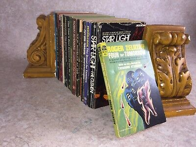 Q32- Sci-Fi Science Fiction Job Lot Vintage Paperbacks Fantasy Novels etc Bundle