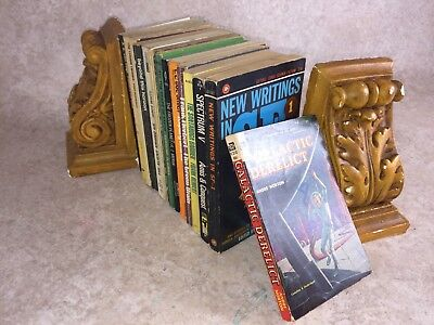 Q31- Sci-Fi Science Fiction Job Lot Vintage Paperbacks Fantasy Novels etc Bundle
