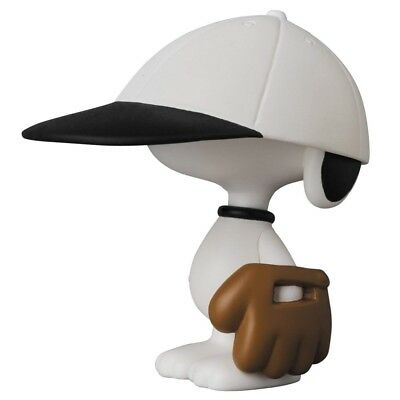 UDF Ultra Detail Figure Peanuts Series 8 baseball player Snoopy