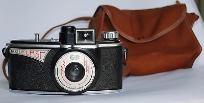 Agilux Agiflash Camera in Good Condition with Canvas case.