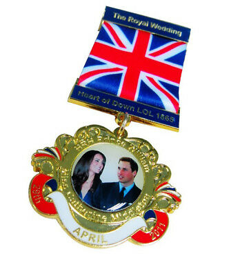 The Royal Wedding William and Catherine MEDAL BADGE BROACH RIBBON 5 INCH