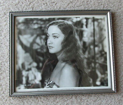 vintage 1946 DOROTHY LAMOUR paramount picture framed B & W PHOTO sarong HAWAII