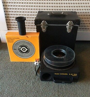 Kodak 35mm S - AV 1010 Carousel Projector With Case And Remote