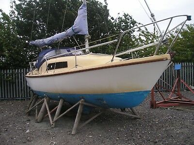 Seal 22 lifting keel 4-6 berth sailing cruiser with auxiliary engine