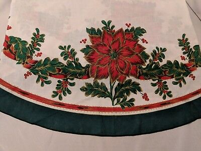 Poinsettia Christmas Tablecloth Vintage 83 x 58 Inch Oval