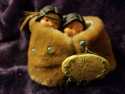 "Retired Enesco ""wrap Your Family In A Blanket"" Friends Of The Feather Figurine"