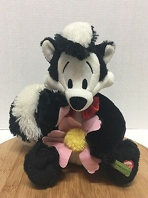 Pepe Le Pew Hallmark Talking Plush Looney Tunes I Pick You Flower L'amour